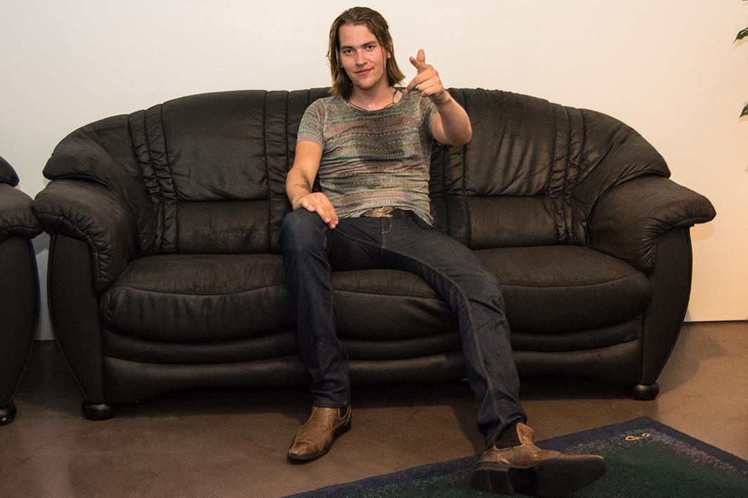 Max Buskohl - Auf der NEW NAMES Couch